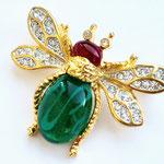 Лот №30Брошь-пчелка Кеннет Джей Лейн.Позолота 24К,кристаллы Сваровски,кабошоны из стекла.Размер-4.5х3.5 см.Цена-2500 грн