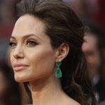 Анжелина Джоли в сережках Кеннет Джей Лейн