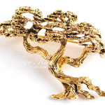 Лот №П785.Винтажная брошь Tortolani *Дерево бонсай*.Прекрасная сохранность,без маркировки.Ювелирный сплав под бронзированное золото,размер-4х5 см.Объемная 3Д форма.ПРОДАНА
