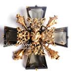 Лот №П890.Винтажная брошь-мальтийский крест Accessocraft N.Y.C.Прекрасная сохранность,фирменное дизайнерское клеймо.Объемная форма,размер-5.5 см.ПРОДАНА