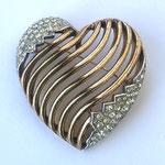 Лот №4.Винтажная редкая брошь Трифари(подробнее о компании в разделе *Известные марки*).Бижутерный сплав под золото,австрийские кристаллы,маркировка Трифари с короной,прекрасная сохранность.Цена-4200 грн