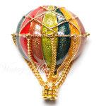Лот №П671.Необыкновеннаяя брошь *Воздушный шар* от Museum of Fine Art,маркирована MFA.Прекрасная сохранность,объемная 3Д форма,размер-4х3.3 см.ПРОДАН