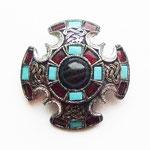 Лот №П390.Мальтийский крест в шотландском стиле от компании Miracle.Брошь в отличном состоянии,ювелирный сплав под состаренное серебро,вставки из стекла,выпуклая объёмная форма.Размер-4.3 см.ПРОДАН
