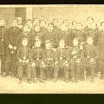 Rimbaud all'Istituto Rossat (il terzo da sinistra in prima fila)