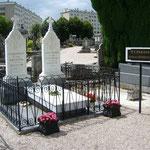 Tomba di Rimbaud (a sinistra quella della sorella Vitalie)