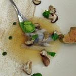 Shiitakes, bouillon de dashi (bouillon japonais à base de bonite séchée), foie gras (de canard !) chaud, froid et glacé