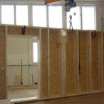 Holzelemente werden im Betrieb erstelle.