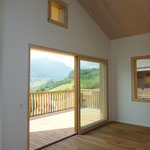 Wohnbereiche mit Schiebetüre zum Balkon
