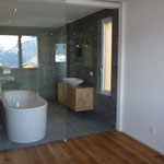 Badzimmer mit Glas-Schiebetüre 2.OG