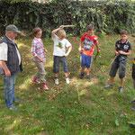 So spielte Goßmannsdorf früher: Dieses Vergnügen ließen sich Jung und Alt beim Tag der Goßmannsdorfer (02.09.2012) nicht entgehen. Überhaupt...