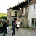 ...vor allem für Besitzer von solch alten Häusern. Ihr Einsatz ist auch in Sulzfeld bewundernswert. Öffentliche Zuschüsse bei der Sanierung können nicht darüber hinwegtäuschen, dass viel Herzblut vonnöten ist, um oft jahrelang an dem Anwesen zu arbeiten.