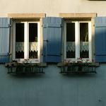 ...das Zusammengehörigkeitsgefühl nachhaltig verbessert. Eine Gestaltungssatzung - zum Beispiel für die Regeln bei Fenstern, Fassaden und Außenanlagen - tut ihr Übriges, um den Ortskern und das Dorf schöner zu machen.