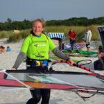 Antonia freut sich über einen gelungenen Start bei der Fun-Regatta.