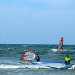 Die Ostsee-Wellen stellten viele Teilnehmer vor neue Herausforderungen.