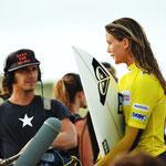Pro Surferinnen sollten nicht kamerascheu sein