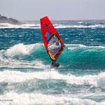 Daida - geht kraftvoll in die Welle