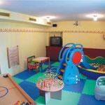 Spielezimmer mit Videoüberwachung