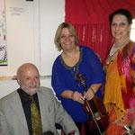 Les artistes en compagnie de l'auteur compositeur Georges F.CHALFOUN dit VALDARNO