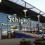 スキポール空港アムステルダム