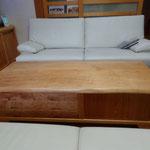 松のリビングテーブル