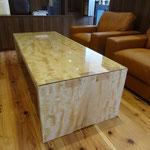 トチのセンターテーブル