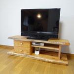 ケヤキのTVボード