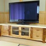 トチ・栂のTVボード