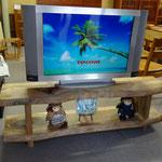 楠のTVボード
