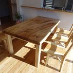 トチのダイニングテーブルセット