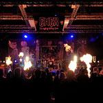 Die Bühne brennt