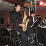Musiker mitten im Raum