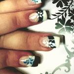 Erika's Nagelstudio - Nails - Schwarz-Weiß Blumen