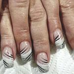 Erika's Nagelstudio - Nails - Weiß-Schwarz Liniert