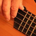 Fünf Saiten, das muss ein Bass sein