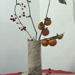 秋の生花:柿&サンキラ