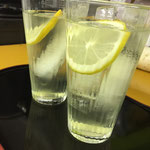 汗をかいたお仕事後にはレモンジュースがGOOD!!