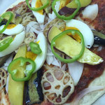 piza①:玉ねぎ,なす,蓮根,ピーマン,さつま芋,卵,3種のチーズ