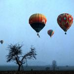 225 Ballonfahren 3, fine Art-tintenstrahldruck mit Epson K3 ultrachrom Pigmenttinten, Norbert Plösser, 50 x 50 cm