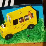 """Hendrik Peters (8): """"Mein Karton zeigt den Bus aus dem Buch Die Schule der magischen Tiere."""""""