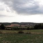 Blick über´s LandÜbernachtung auf der Wiese