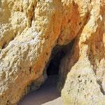 Wir laden Euch ein zu einer Höhlenbesichtigung in den Klippen von Alvor.