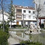 Fuente de los Burros. Plaza del Mercado. Año 2004. Foto de Francis Quílez.