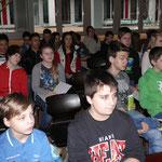Die Klassensprecherinnen und Klassensprecher in der bestuhlten Aula