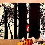 VON JÄGERN UND GEJAGTEN, Installationsansicht mit Wandgrafik, Interventionsraum Stuttgart, 2009
