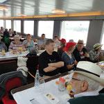 Gemütliches Apero auf dem Schiff