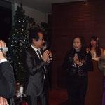 雑誌の出版記念パーティーにゲストとして。