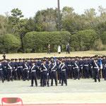 任官する卒業生の観閲式に参加。