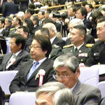 防大卒業式に参列する菊地トオル学長。