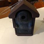 Holzbeton-Nisthilfe u.a. für Meisen: 18.- €