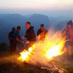 Sonnwendfeuer auf der Üntschenspitze, Wandern im Bregenzerwald, Ferienwohnung
